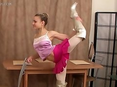 supple gal Valentina Vladimirova (12-HD.wmv)