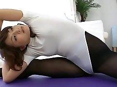 Gymnastic Asian in Pantyhose (no porn)