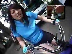 Montando Vibrador-Bicicletas Em Público