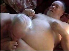 2 sexy daddies divirta-se