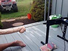 Wifey libras esposo's el culo con la máquina