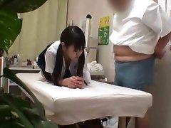 Japonesa colegial (18+) fodido durante o exame médico