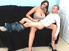 Alexis Grace Handjob on Her Lap