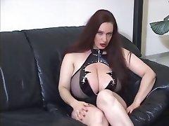 Goth büyük göğüsler JOİ
