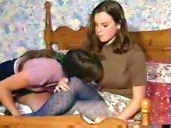 2 Lesbianas en la cama