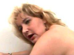 Küps blond keppis dušš