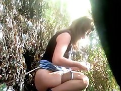 voyeur public girls peeing 3