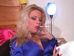 Hot Sexy Fumatori Erin