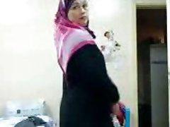 Giulietta Delrosario cazzo in culo vestito da Arabo