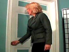 Peludo MILF MAMADA anal