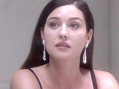 Обнаженная Моника Белуччи - Под Подозрением