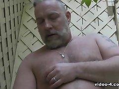 Brent Gaiola -- Vídeo Solo - BearFilms