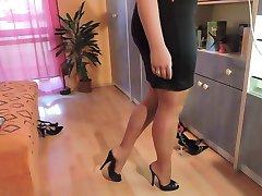 Amatör naylon çorap ve yüksek topuk ayakkabı