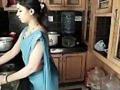 ---Casal recém-Casado Romance Na Cozinha Full HD....Último Romântico Curta-Metragem Raasa Leela Vídeos