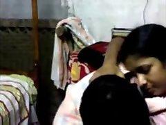 Southindian Boss goduto con la sua cameriera in un HOTEL