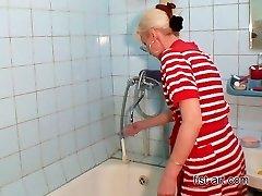 Smagu, vonios kambarys - visų veislių kumščiu