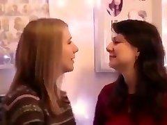 Amateur les filles d'embrasser