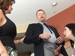 Vyras ir Žmona Drausmės Aukle