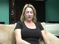 Intervju S Golim Hot Mama - Prekrasna