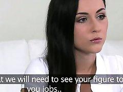 Petite amatör brud jävla på jobbintervju POV