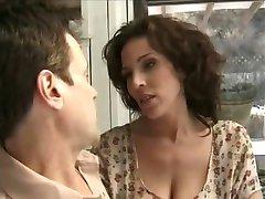 La mamma chiede a suo Marito a Scopare un'altra Ragazza (COMPLETA)