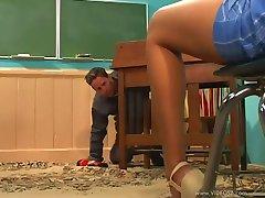 Latina Dia Teachers Pet