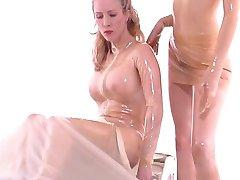 Sexiga tikar med latex fetisch