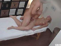 cehă masaj