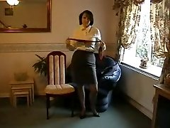 Taunting Milf in Nylon Stocking and Heels
