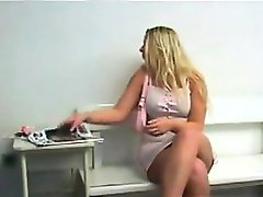 Thick Blonde Pleasing Her Doctor