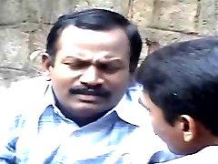 indian bhamulu cu bărbați urâți