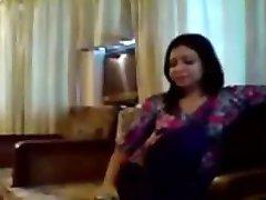 desi indischen teenager paar ficken auf dem sofa