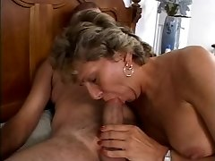 Mature is getting her filthy ass poked
