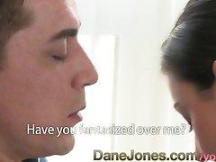 DaneJones Nafouklé bradavky teen prosí sestry BF pro creampie, orgasmus