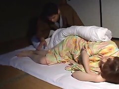 Probuzení spící asijskou přítelkyni - Třetí Světová Média