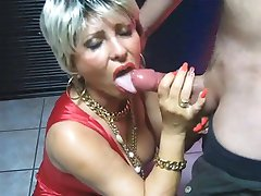 ZREL Naredi Handjob in Blowjob