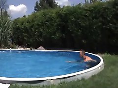 Nemški bazen z BBQ Orgija