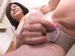 masturbira japonski gran part1