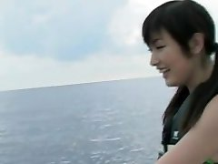 Yoko Kumada prsatá holka miluje vodní sporty