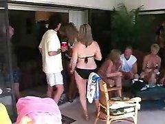 Zrel Swinger Pool Party