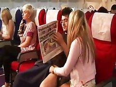 Samolot młodzieży podnoszą zasobniki gorącej masturbacji