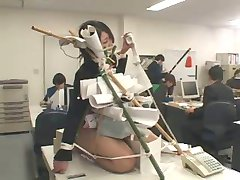 birou japoneză umilit