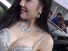 Cinese auto show girl nipple slip