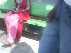 Indain dekle utripa v park