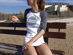 18 ans teen nue à la plage