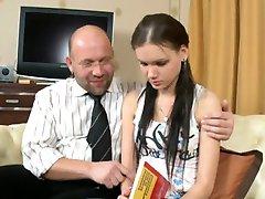 profesorul este al naibii de tânăr iubita