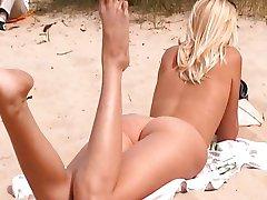 Nude russo praia de meninas