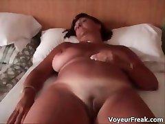 горячая большая грудь маловата противный пухлый милф шлюха part5