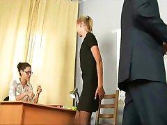 anastasia, gata de orice pentru a obține un loc de muncă