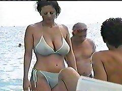Naturalne Duże cycki w publicznych zobaczyć przez bikini